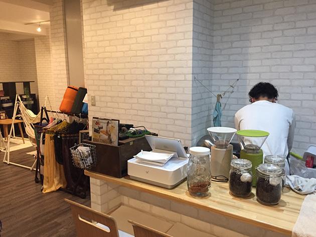 ワールドシェア運営のハンモックカフェ、パーデュモンドのスタッフ